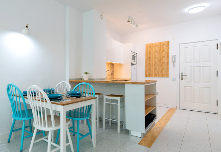 Minimalist kitchen by SMLXL-design Minimalist