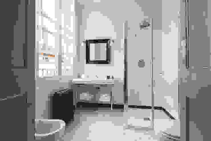 클래식스타일 욕실 by studio lenzi e associati 클래식