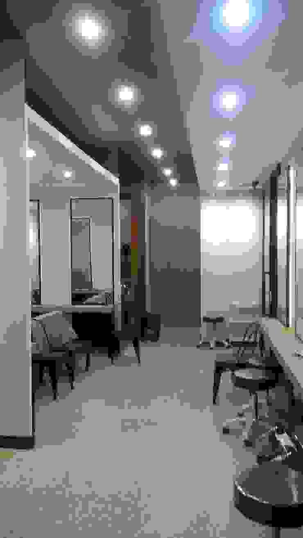 Retail Salon Pondok Indah mall 2 Pusat Perbelanjaan Modern Oleh SPADE Studio Indonesia Modern