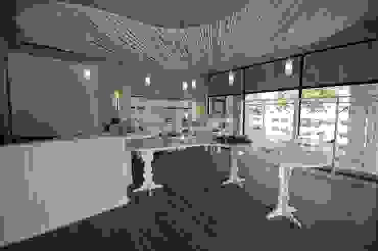 Ruah Flagship by Bun Interior Design Modern