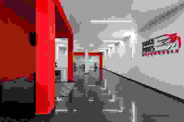 Moderne Autohäuser von MOYO Concept Modern