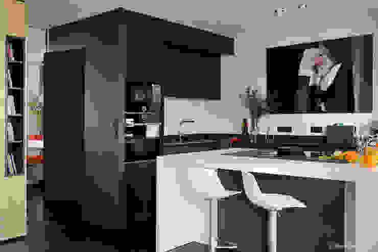 Franck VADOT Architecture КухняСтоли та стільці Дерево Білий