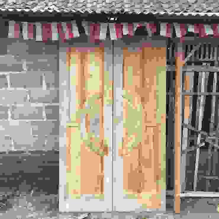 Aneka Produk Pintu Kayu Oleh Haritsah Tutuko - homify Skandinavia
