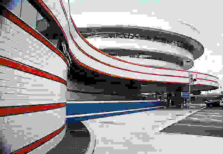 CENTRO COMERCIAL ANGELONI CAPOEIRAS – VERSÃO 02 Lojas & Imóveis comerciais modernos por Douglas Piccolo Arquitetura e Planejamento Visual LTDA. Moderno