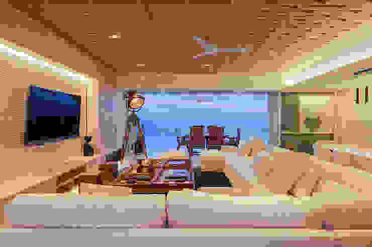 Estancia PAIR Arquitectura Salones modernos Madera Beige