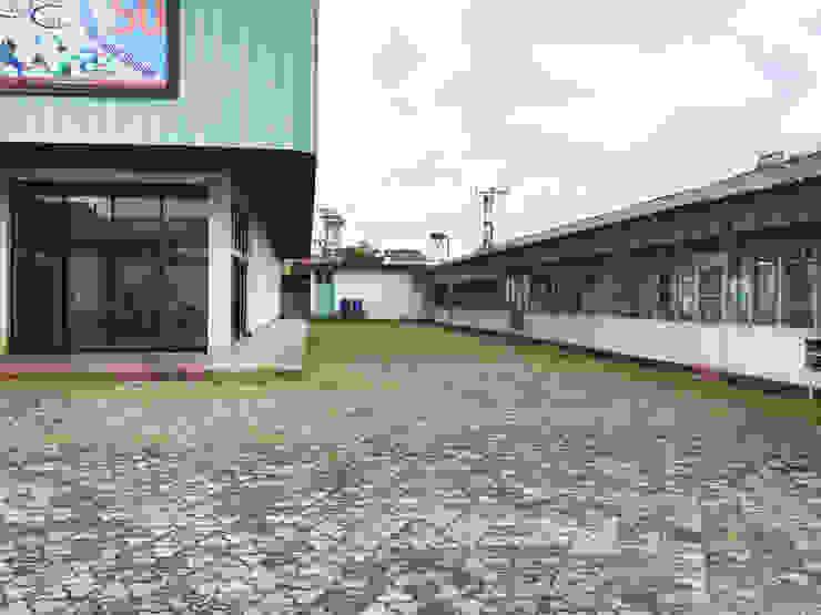Exterior - Before Right Wing Pusat Eksibisi Gaya Industrial Oleh PHL Architects Industrial