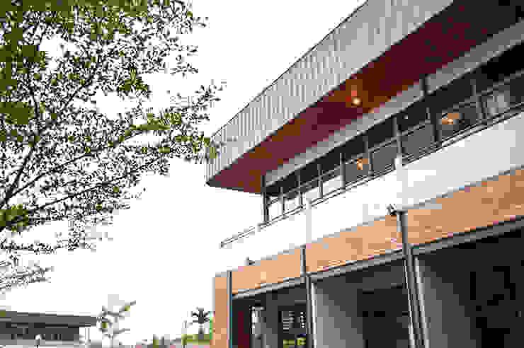 Exterior - After Art Shop & Library Left Wing Pusat Eksibisi Gaya Industrial Oleh PHL Architects Industrial Batu Bata