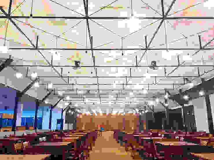 Exterior - After Food Court Left Wing Pusat Eksibisi Gaya Industrial Oleh PHL Architects Industrial Besi/Baja