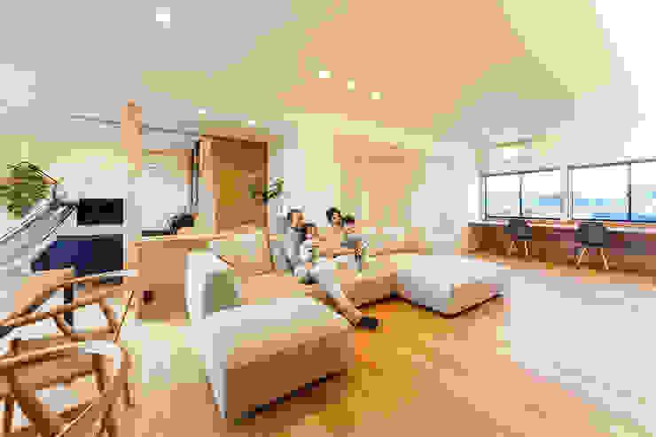 一級建築士事務所haus Salones de estilo escandinavo Madera Blanco