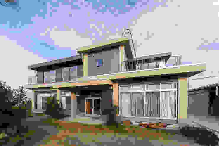 一級建築士事務所haus Casas multifamiliares