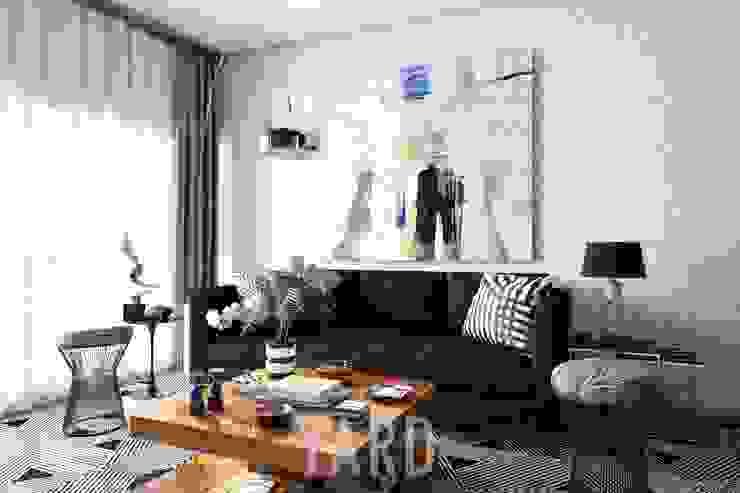 Living area: ผสมผสาน  โดย studio yard, ผสมผสาน