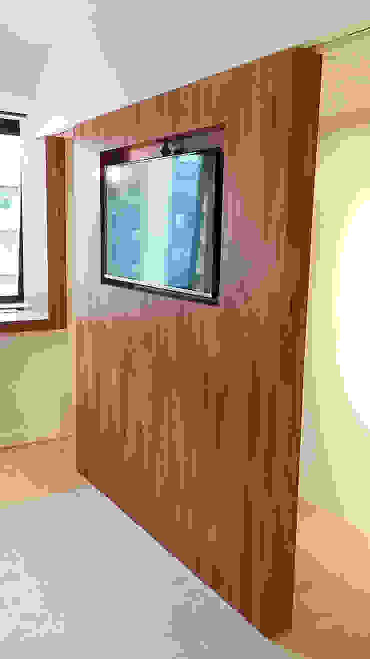 可移動式的電視牆 XY DESIGN - XY 設計 客廳電視櫃