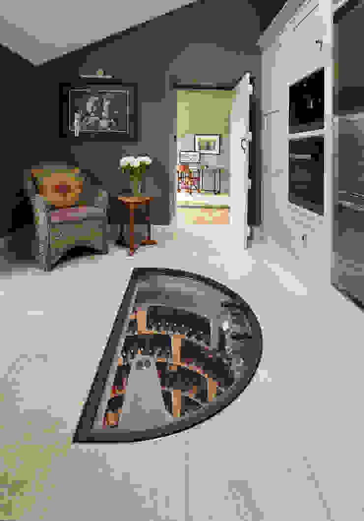 Original Spiral Cellar with half round glass door Nowoczesna piwnica win od Spiral Cellars Nowoczesny