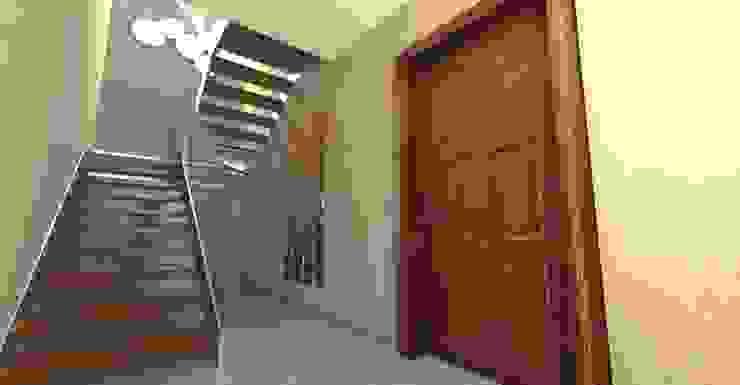 Planet G 現代風玄關、走廊與階梯