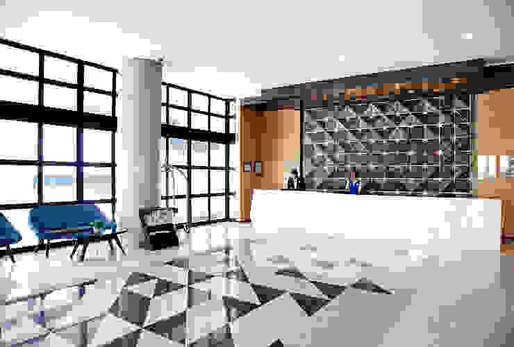 Interior - Lobby Area Hotel Modern Oleh PHL Architects Modern