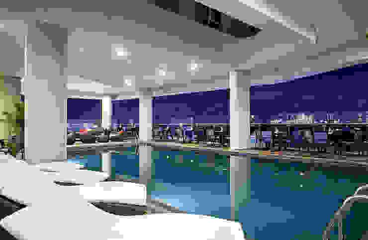 Interior - Pool Area Hotel Modern Oleh PHL Architects Modern
