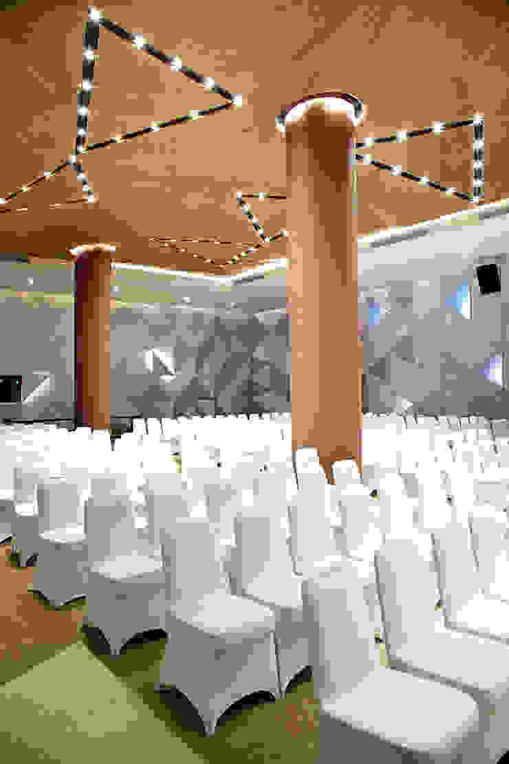 Interior - Ballroom Hotel Modern Oleh PHL Architects Modern