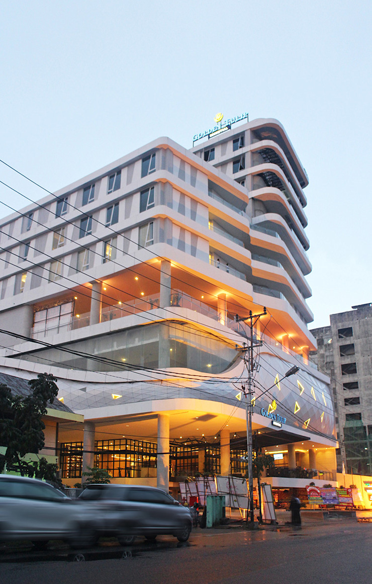 Exterior - Night View Hotel Modern Oleh PHL Architects Modern