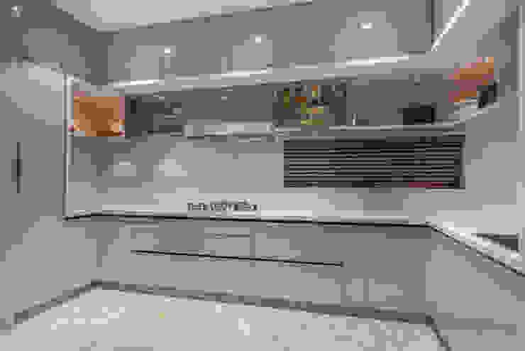 kitchen Modern Kitchen by F.Quad Architecture and Interior Design Studio Modern
