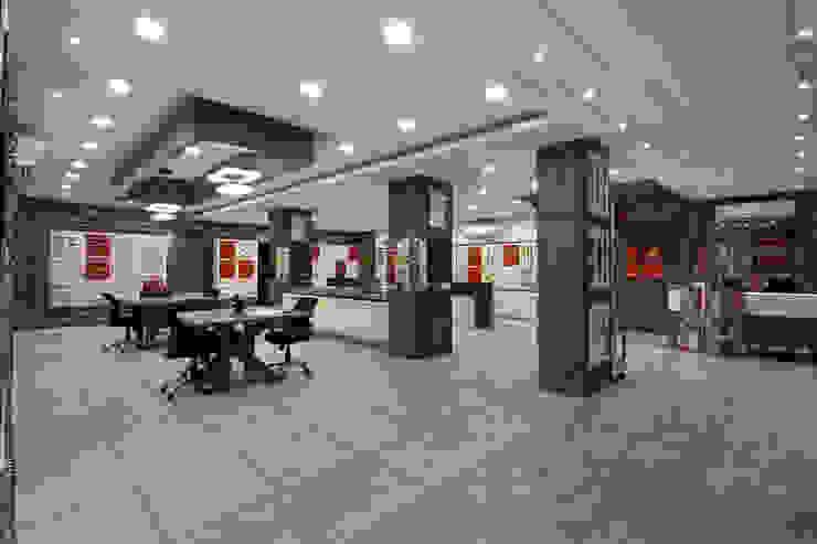 Display area by F.Quad Architecture and Interior Design Studio Modern
