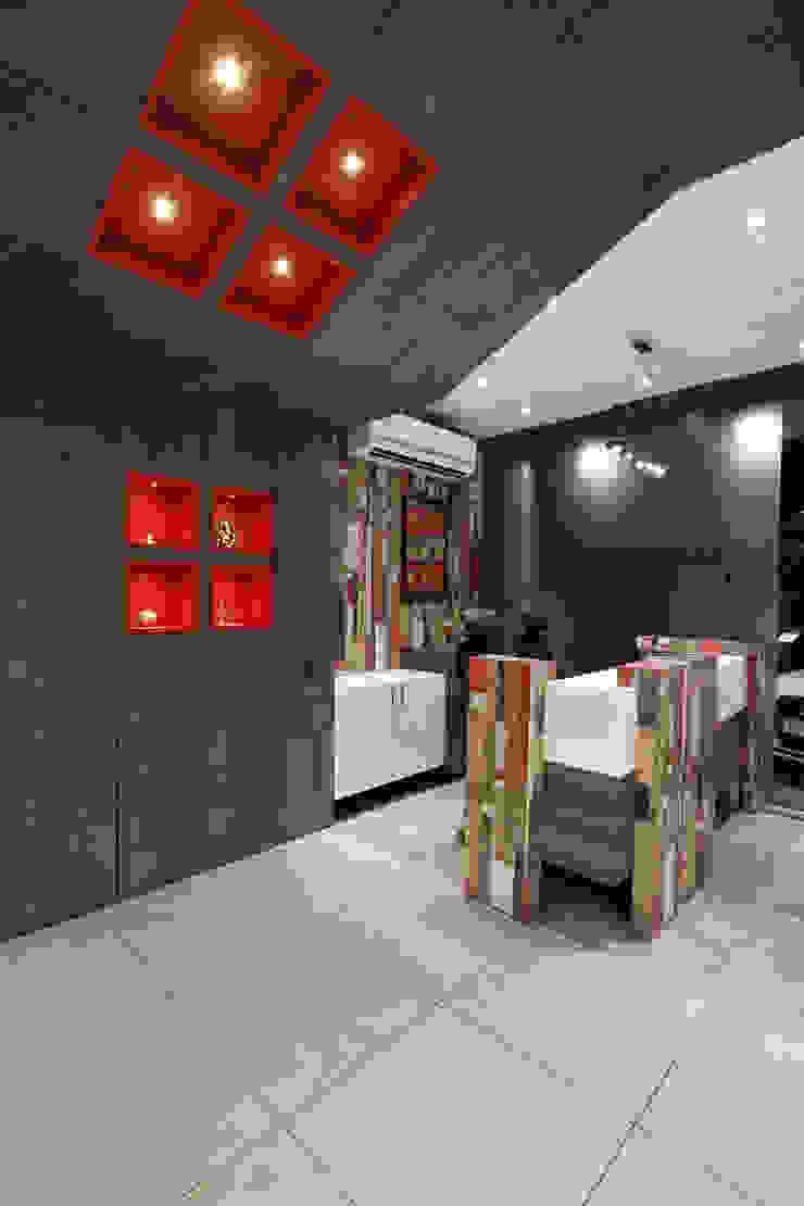 Cash Counter by F.Quad Architecture and Interior Design Studio Modern
