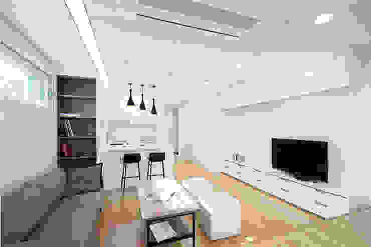 양재동 POP-UP HOUSE 모던스타일 거실 by 스튜디오메조 건축사사무소 모던 우드 우드 그레인