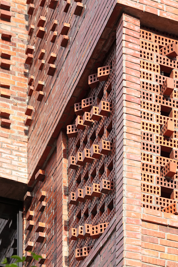 Exterior - Facade Detail Bangunan Kantor Gaya Industrial Oleh PHL Architects Industrial