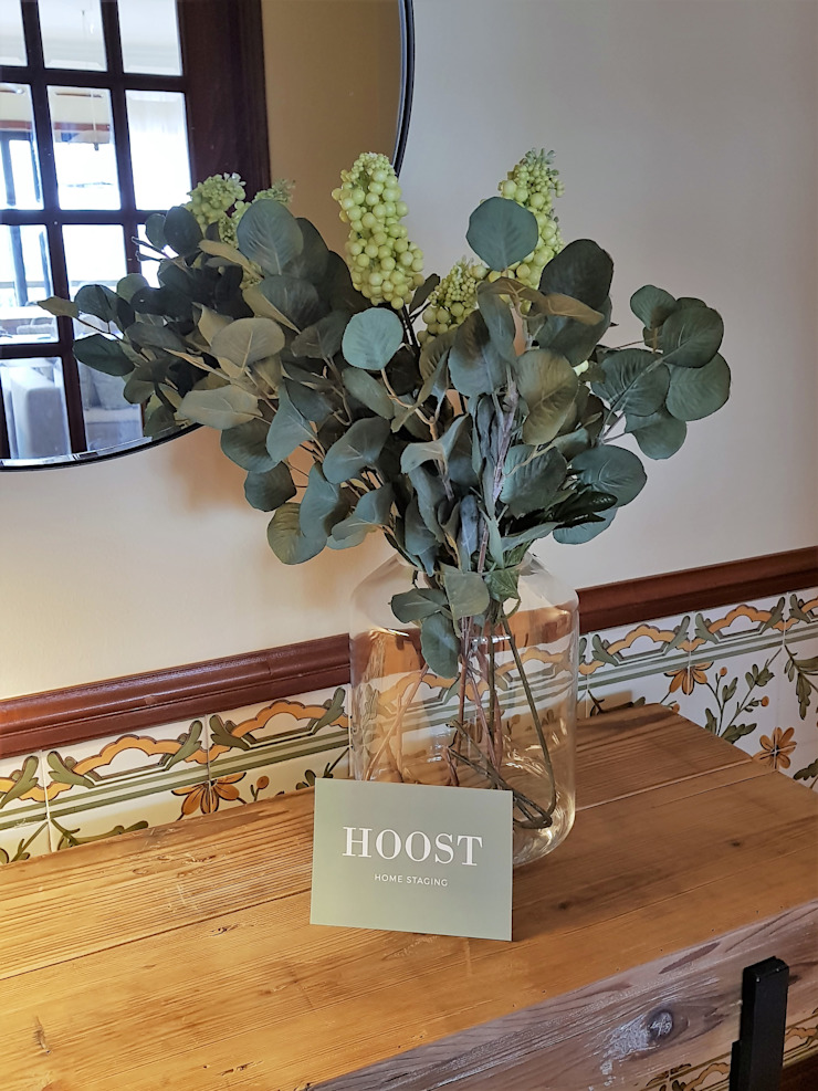 Hall de entrada por Hoost - Home Staging Moderno
