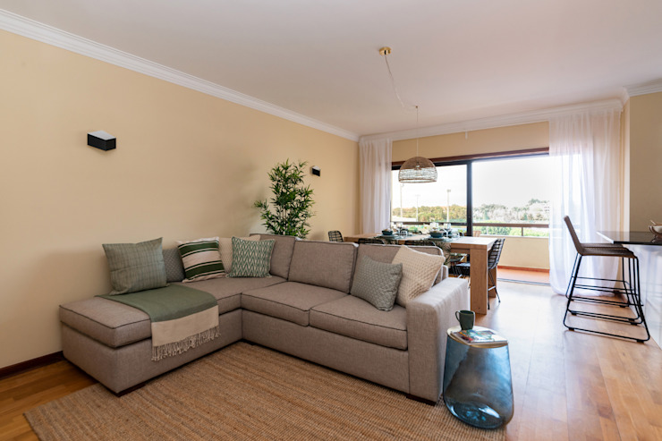 Sala de estar por Hoost - Home Staging Moderno