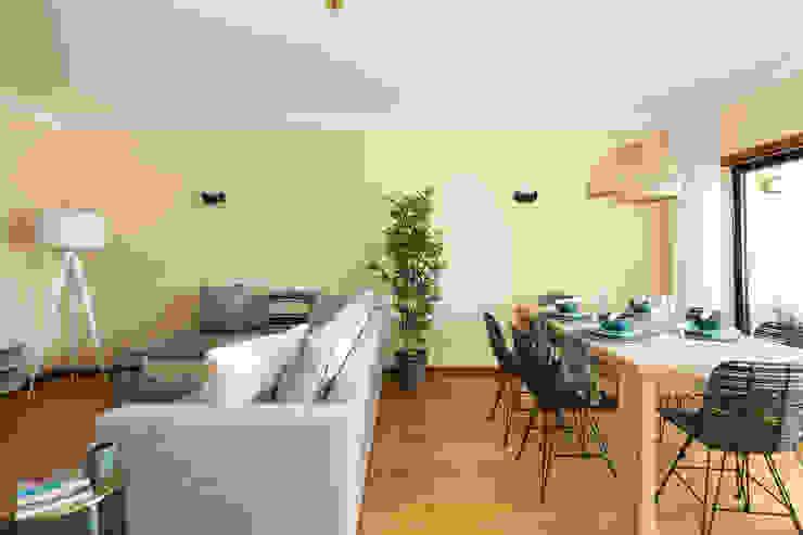 Sala Comum por Hoost - Home Staging Moderno