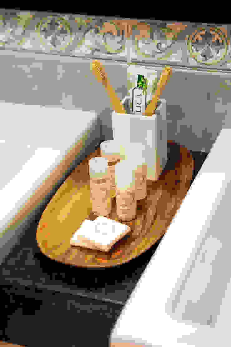 Acessórios de casa de banho por Hoost - Home Staging Moderno