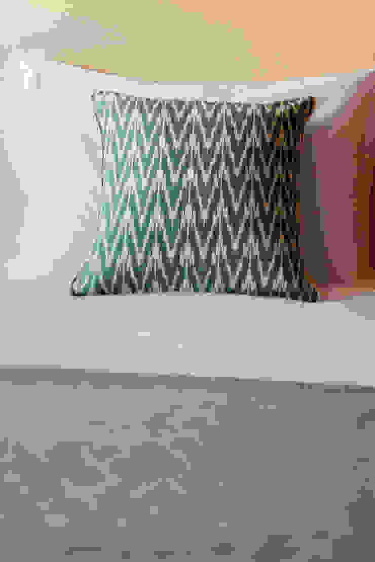 Almofada verde por Hoost - Home Staging Moderno