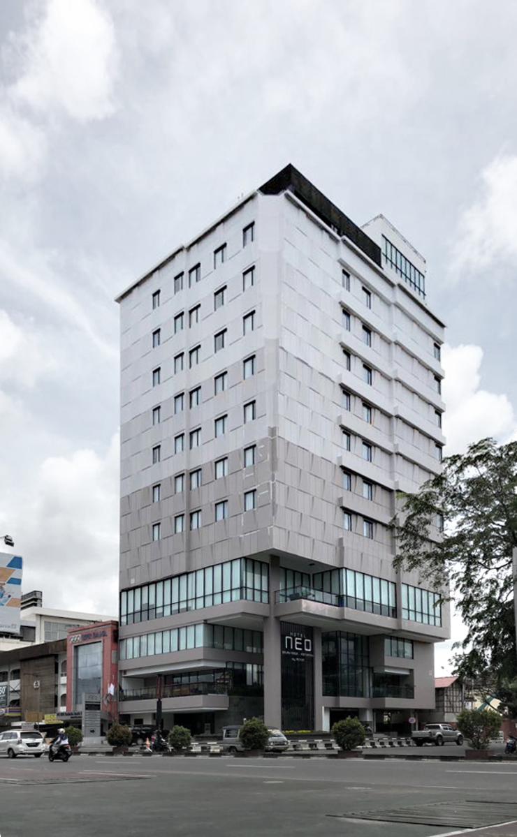 Exterior - Perspective Full Hotel Modern Oleh PHL Architects Modern