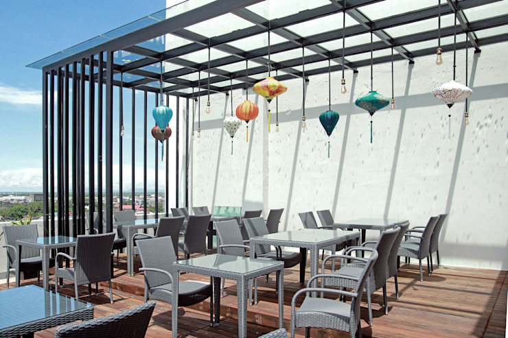 Exterior -Outdoor Breakfast Area Hotel Modern Oleh PHL Architects Modern