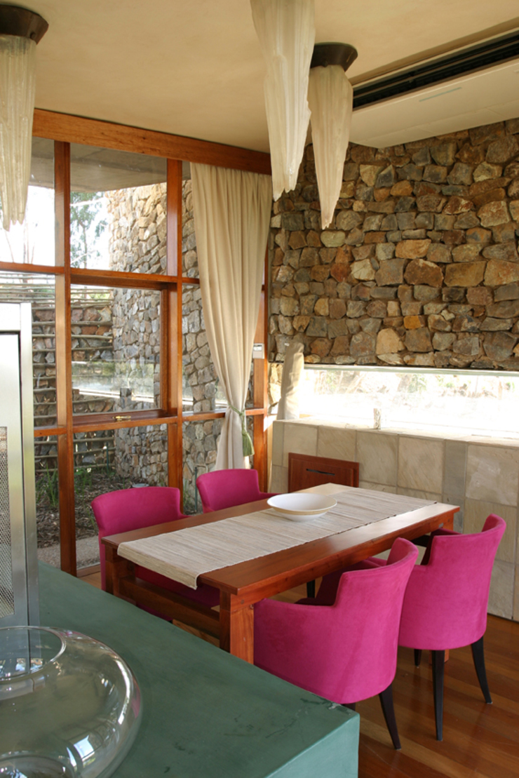 Private Dining in Honeymoon Suite Eclectic style hotels by Activate Space Eclectic