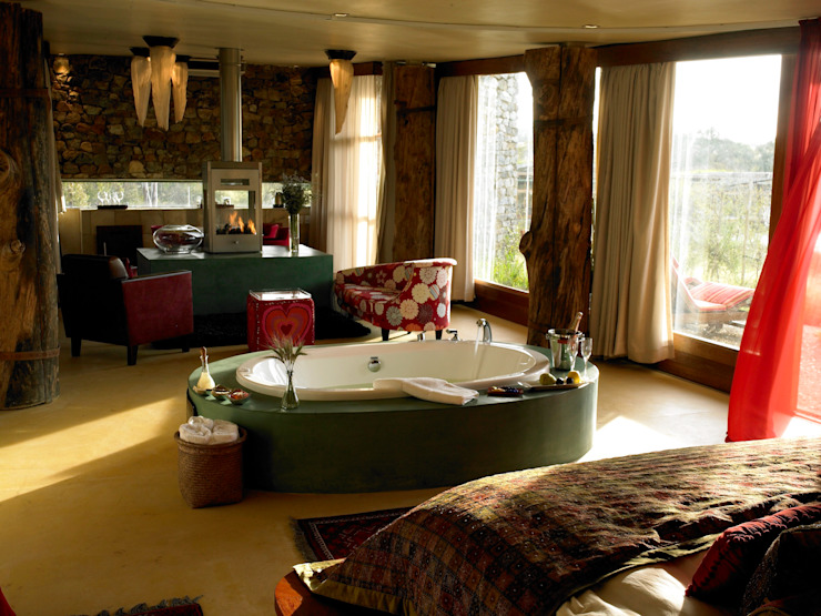 Honeymoon Suite Eclectic style hotels by Activate Space Eclectic