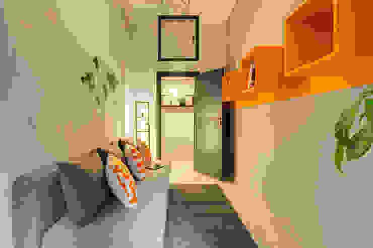인더스트리얼 거실 by Creattiva Home ReDesigner - Consulente d'immagine immobiliare 인더스트리얼