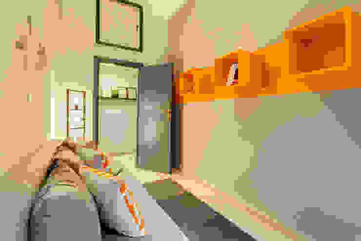 Appartamento adibito a casa vacanza Creattiva Home ReDesigner - Consulente d'immagine immobiliare Soggiorno in stile industriale