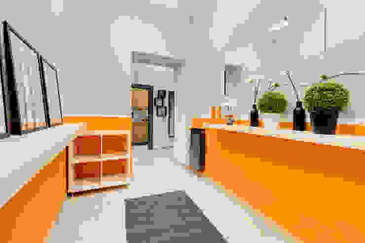Couloir, entrée, escaliers industriels par Creattiva Home ReDesigner - Consulente d'immagine immobiliare Industriel