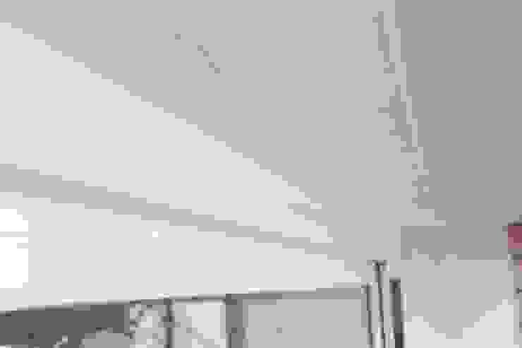 牆外矽利康 根據 鵝牌氣密窗-台中直營店