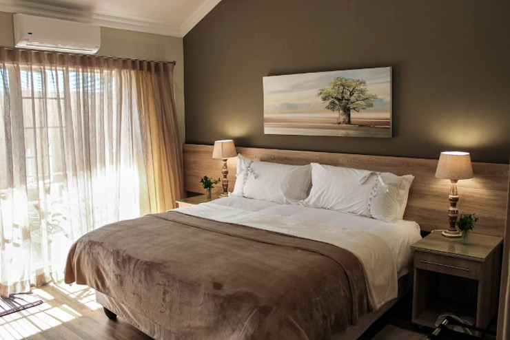 Guest House Bedroom: classic  by Jay Interiors, Classic
