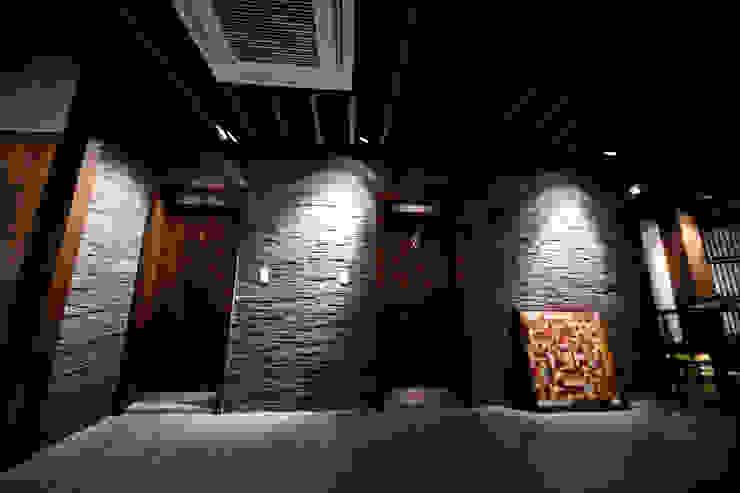 RESTAURANT INTERIOR 클래식스타일 욕실 by 감자디자인 클래식
