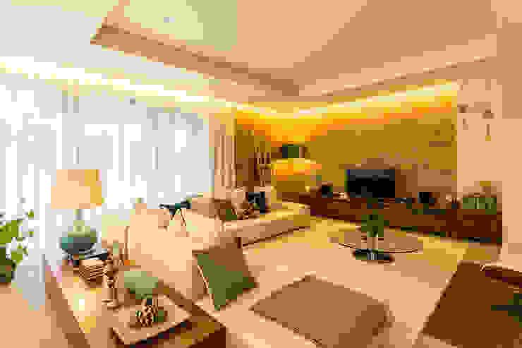 ShiStudio Interior Design Salones de estilo moderno