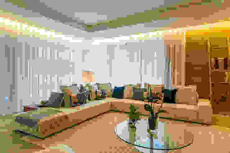 โดย SHI Studio, Sheila Moura Azevedo Interior Design โมเดิร์น