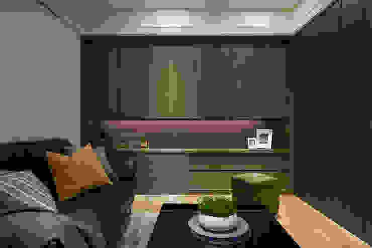 MOMENTS 六本木之丘(序曲) 现代客厅設計點子、靈感 & 圖片 根據 大福空間設計有限公司 現代風