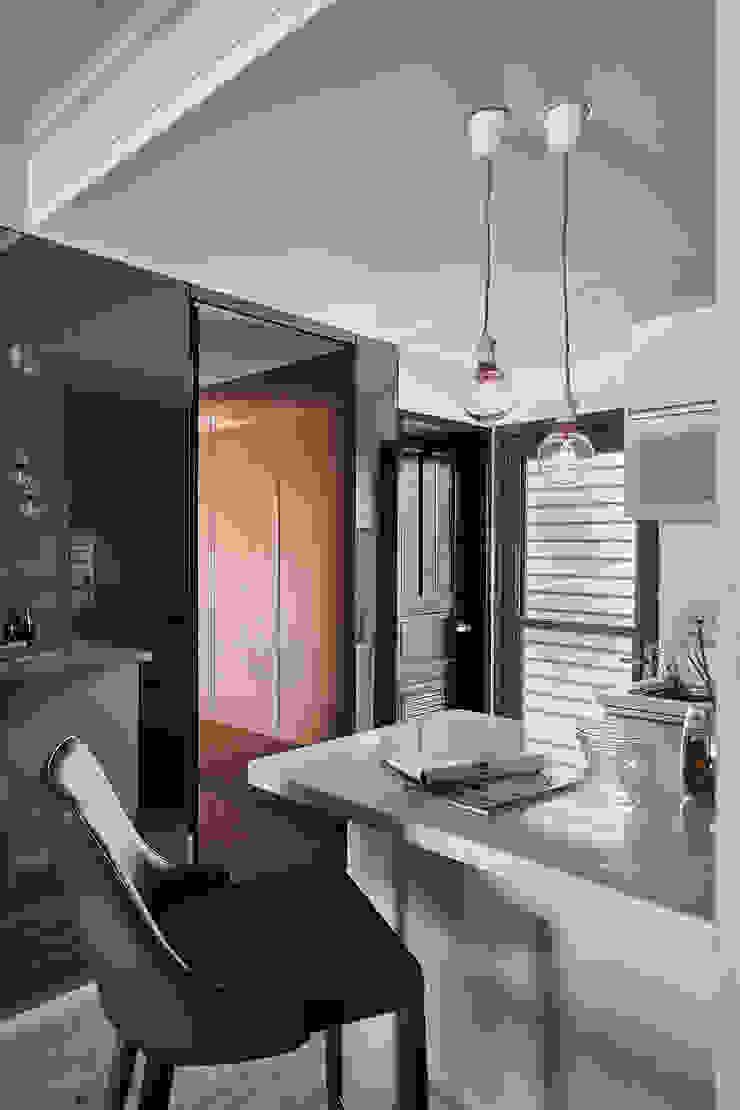 Modern style doors by 大福空間設計有限公司 Modern