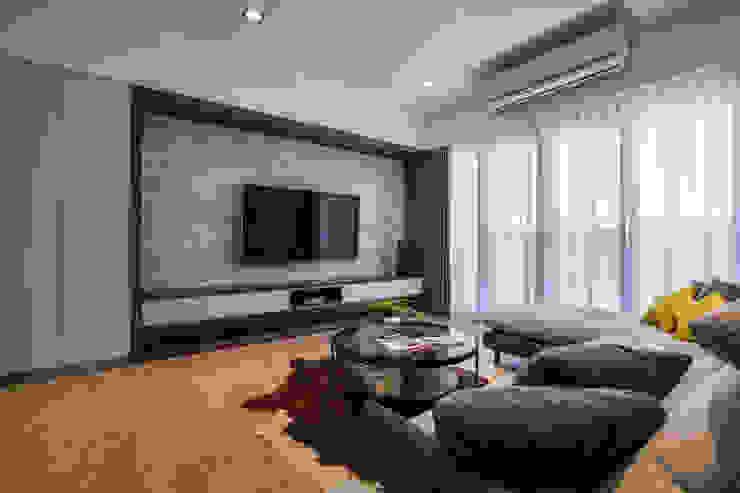 大理石設計 现代客厅設計點子、靈感 & 圖片 根據 解構室內設計 現代風 大理石