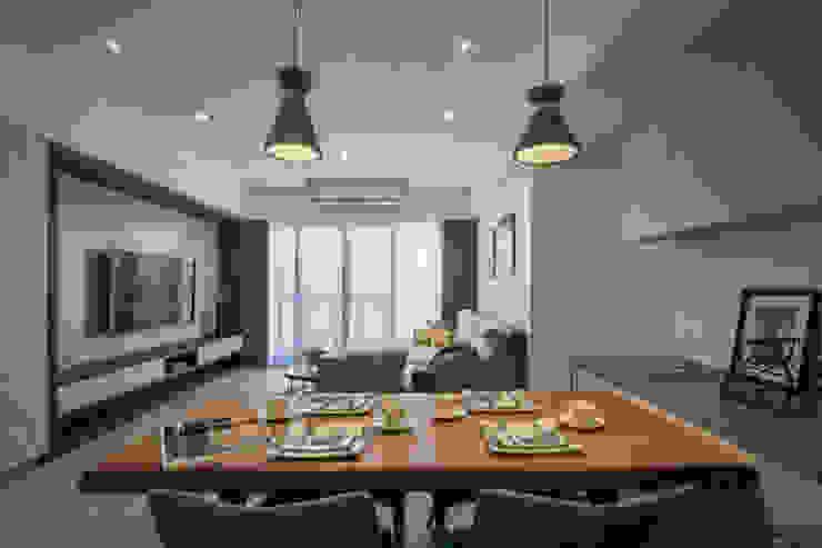 餐廳 根據 解構室內設計 日式風、東方風 木頭 Wood effect