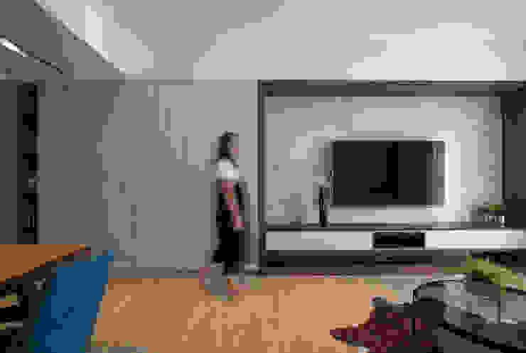 客廳 现代客厅設計點子、靈感 & 圖片 根據 解構室內設計 現代風 大理石
