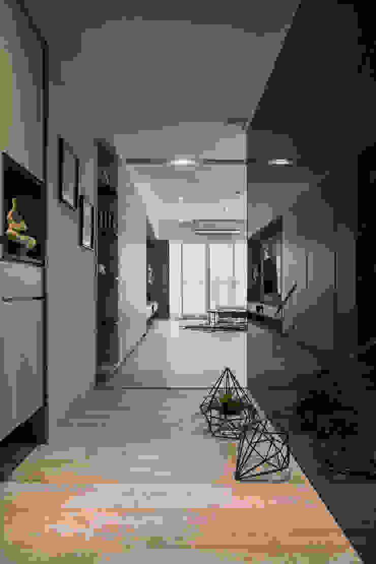 玄關 現代風玄關、走廊與階梯 根據 解構室內設計 現代風 玻璃